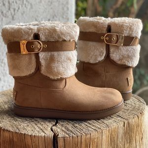 Aussie boots from GBG Los Angeles